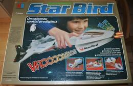 Rare Et Vintage Le Vaisseau Spatial Star Bird De Chez MB 1978 Parfait état De Marche Dans Sa Boite D'origine - Jouets Anciens