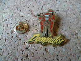 PIN'S       MOTO  DOMINATOR - Motos