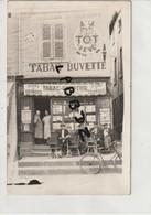 CPA - PHOTO - 69 - LYON ? - A SITUER - TABAC COMPTOIR AU TOT LEVE - J. DECHAVANNE - BIERE GEORGES - - France