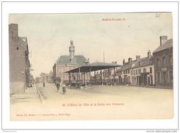 CPA Berck Plage - L'Hôtel De Ville Et La Halle Aux Poissons - Non Circulée - Berck