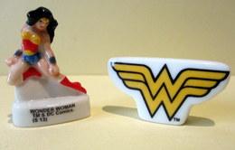 Fèves Brillantes - Wonder Woman Et Son Logo  - TM & DC Comics - Characters