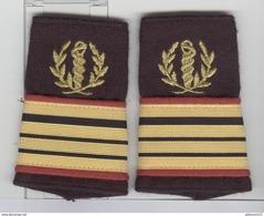 Pattes D'épaules De Commandant Du Service De Santé - Très Bon état - Equipement