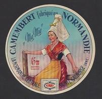 Etiquette De Fromage  Camembert -  Ma Mie  -   La Normandie Centrale  à Sainte Gauburge   (61) - Cheese