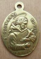 Médal-086 Médaille Ancienne En Laiton Ô Marie Concetta Senza Peccato Pregate.Au Dos Giovanni Di Dio - Religion & Esotericism