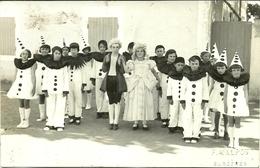 ( CARTE PHOTO  ) ( ST CREPIN  ) .( 17 CHARENTE MARITIME  ) ( ECOLES) 1933( PHOTO MALPOT SURGERES ) - Lieux