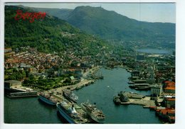U3794 Postcard 1990 BERGEN NORWAY + NAVE SHIP BATEAU BATEAUX + NICE STAMP AND TIMBRE, Storia Postale - Norvegia