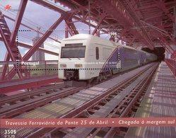 Eisenbahnbrücke 1999 Portugal Block 154 ** 5€ Züge Auf Der Tejo-Brücke Bloque Bridge Ss Train Bloc Sheet Bf Railway - Trains