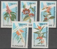 SURINAM - 1974 Tropical Flowers. Scott B203-207. MNH ** - Surinam ... - 1975