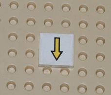 Lego Dalle 2 X 2 Avec Une Fleche Jaune Et Bordure Noire Ref 3068bp08 - Lego Technic