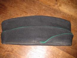 G206 CALOT BONNET DE POLICE ANCIEN Liseret Vert - Headpieces, Headdresses
