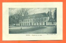 """CPA 02 Rouez """" Façade Sur La Cour """" Chateau - Carte En Creux - France"""
