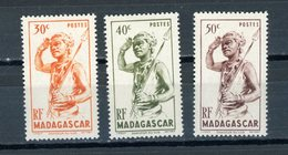 MADAGASCAR  - N° Yvert  301+ 302 + 303* - Madagascar (1889-1960)