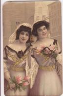 CP -  DEUX JEUNES FEMMES - Couples