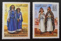 COSTUMES 1969 - NEUFS ** - YT 582/83 - MI 645/46 - Morocco (1956-...)