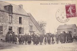 """56. PLOERMEL (ENVIRONS). CPA . DANSE DU PAYS DEVANT """" LA CHAUMIÈRE DES TRENTE"""". ANNÉE 1928 - Ploërmel"""