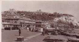 DOVER / THE BEACH PROMENADE AND CASTLE  TRES BELLE CARTE PHOTO / SOLOGLAZE SERIES - Dover