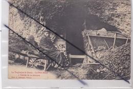 Le Troglodyte De Gasny (27) Le Pére Adam à L'entrée De Sa Demeure - France