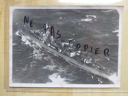 """CROISEUR LA """"MARSEILLAISE"""" 1940 VUE D'AVION - PHOTOGRAPHIE ORIGINALE CUIRASSE - MILITARIA - Bateaux"""