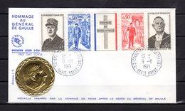 """"""" HOMMAGE A DE GAULLE """" Sur Enveloppe 1er Jour De 1971 Médaille En Relief. Obl : Colombey . N° YT 1698A. Parf. état. FDC - De Gaulle (Général)"""
