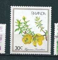 N°  1048 Fleur 30 C Timbre Rwanda  Oblitéré 1982 - Rwanda