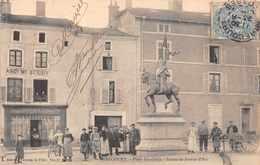 MIRECOURT  - Place Gambetta ..animée - Mirecourt