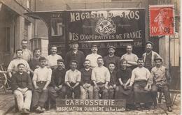75 - PARIS - VEHICULE LIVRAISON DES MAGASINS DE GROS DES COOPERATEURS PAR CARROSSERIE ASSOCIATION OUVRIERE - CARTE PHOTO - Public Transport (surface)