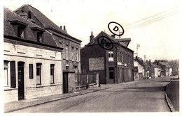 ESTAIMBOURG - Rue Clovis Poullet (avec Café Coin Gauche Dela Carte) - Estaimpuis