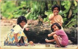 Maldives - MAL-C-24, Three Girls, Children, 2/02, Used As Scan - Maldiven