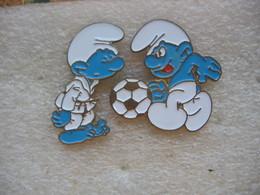 2 Pin's Des SCHTROUMPFS - Comics