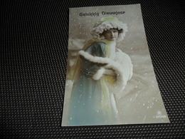Femme ( 1229 )  Vrouw  Mode  Hoed  Handverwarmer  Chapeau - Femmes