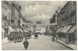 NIORT - Rue Victor Hugo - Banderole LIQUIDATION POUR CAUSE D'AGRANDISSEMENT - Niort
