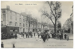 NIORT - Avenue De Paris - Rassemblement Devant Le Café Du Globe - Niort
