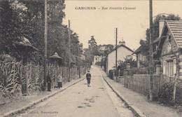 Garches.  Rue Frédéric-Clément. ( Carte Rare ) - Garches