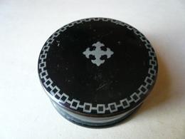 Boîte Ronde En Papier Maché - époque N.III - Avec Filets Et Médaillon En étain - - Boîtes/Coffrets