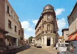 LEZIGNAN-CORBIERES - Avenue Président Wilson - Renault 4L - Citroën 2CV- Banque BNP - Autres Communes