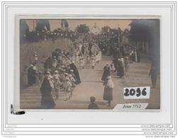 9721  AK/PC/CARTE PHOTO A IDENTIFIER/LA PROCESSION - Da Identificare
