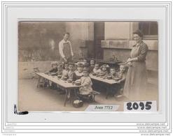 9722   AK/PC/CARTE PHOTO A IDENTIFIER/ENFANTD A LA CANTINE - Cartoline
