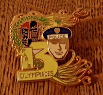 Pins Double Moule Ballard - Police, Olympiades, Paris, Dorée Or Fin - Amicale 13 - Police