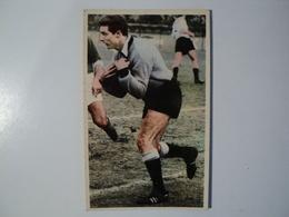 CARTE FOOTBALL TAILLANDIER. ANNEES 60. MIROIR SPRINT RECEPTION DE BALLE SUR SHOOT D UN ADVERSAIRE. - Football