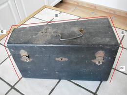 Ancienne Boite De Rangement D' Instrument De Musique à Piston - Instruments De Musique