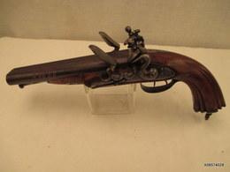 Pistolet A Silex - De Vennerie - Long De 38 Cm - Double Canon - Crosse Renaissance - Tres Bon Fonctionnement - Armes Neutralisées