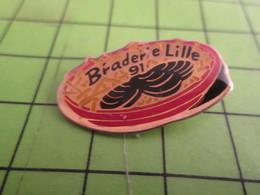 313H Pin's Pins / Rare Et De Belle Qualité !!! THEME ALIMENTATION : MOULES FRITES BRADERIE DE LILLE 91 - Alimentation
