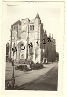 LE NEUBOURG EURE COMICE AGRICOLE MAI 1948 - PHOTO 8,5x6 Cms (voitures,camions,betaillères) - Lieux