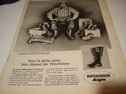 PUBLICITE AFFICHE CHAUSSE PAR HUTCHINSON AIGLE   1961 - Habits & Linge D'époque