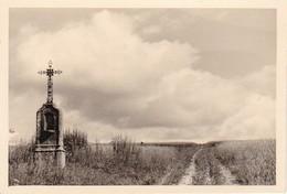 Foto Feldkreuz Bei Gevrolles - Wegkreuz Marterl - Frankreich - Ca. 1940 - 9*6cm (37849) - Orte