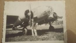 Ancienne Photo D'un Militaire Devant Un Avion De Guerre ( Tres Rare ) - Aviation