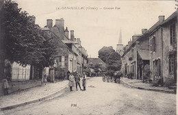GENOUILLAC (Creuse) Grande Rue Circulée 1920 - France