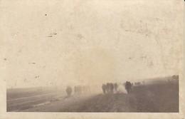AK Foto Deutsche Soldaten Auf Dem Marsch - 2. WK  (37858) - Weltkrieg 1939-45