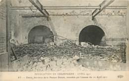 REVOLUTION EN CHAMPAGNE AVRIL 1911 AY ENTREE DES CAVES MAISON DUCOIN INCENDIEE LE 12 AVRIL 1911 - Ay En Champagne