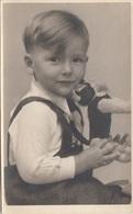 Hübscher Bub Mit Steiff-Katze - Fotokarte Ungel.193?, Gute Erhaltung - Szenen & Landschaften
